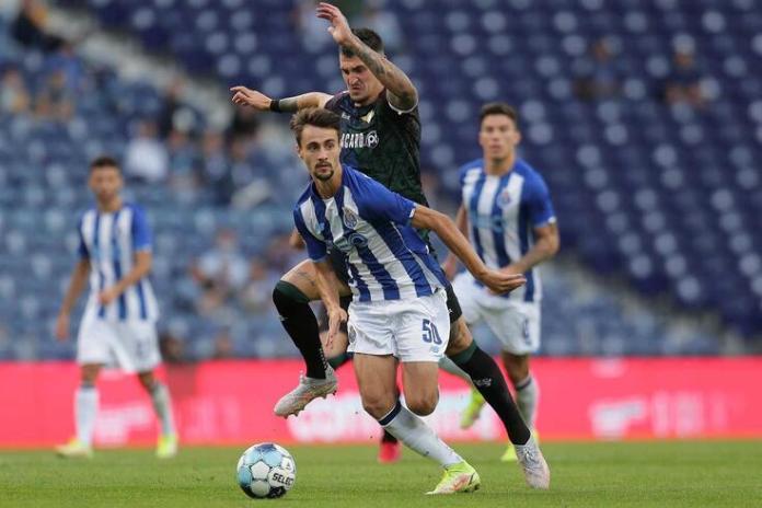 Fábio Vieira renova com o FC Porto até 2025