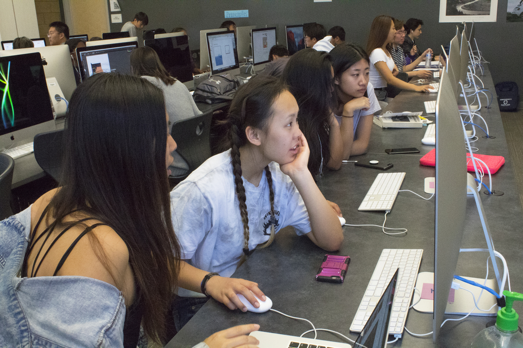 Co-editors-in-chief+and+sophomores+Maddy+Noh+and+Grace+Tu+brainstorm+new+ideas+for+the+yearbook+during+class.
