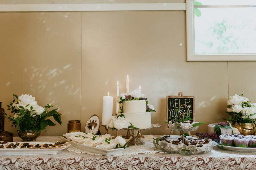 bohemian wedding cake and desserts