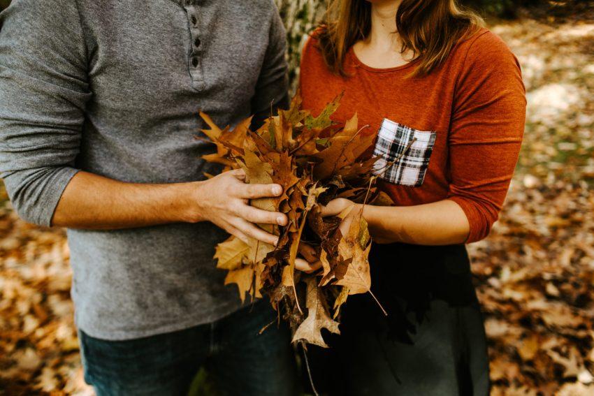 seattle wedding photographer fall arboretum engagement