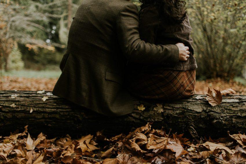 seattle autumn leaf engagement shoot