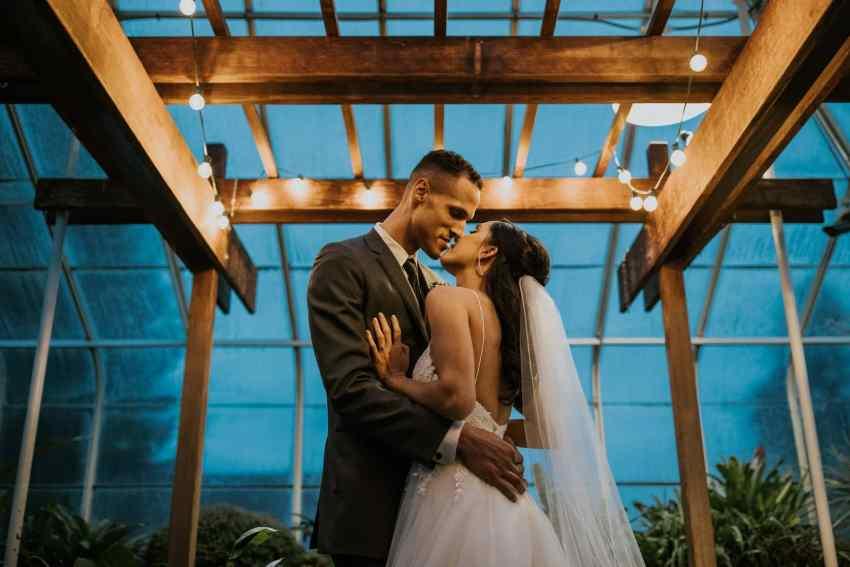 seattle wedding photographer volunteer park conservatory wedding
