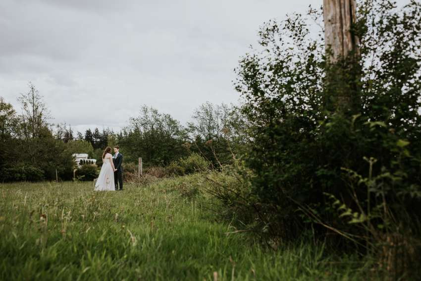 lummi island wedding seattle wedding photographer vow reading