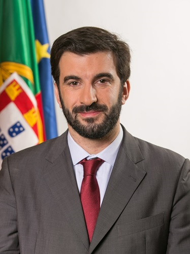 "<meta charset=""utf-8""><meta charset=""utf-8"">Tiago Brandão Rodrigues"