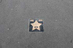 Stern am Signal Iduna Park für den DFB-Pokalsieg 2012 | Bildrechte: nickneuwald