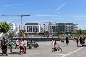 Port 1, links | Bildrechte: nickneuwald