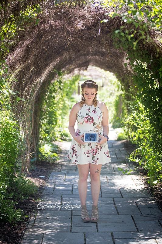 Geneva Il Pregnancy anouncement photographer