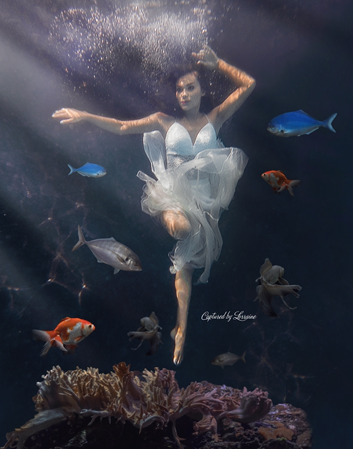 Underwater photography fun- Hampshire Illinois