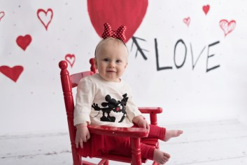 valentines day mini girl in minnie shirt