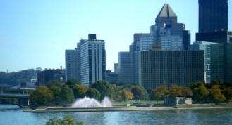 fountain-acrossriver-closeup