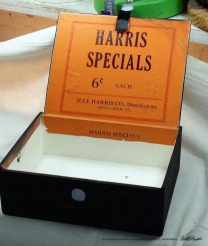 """""""Black and Light"""" cigar box keepsake, inside."""