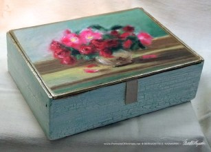 Small Roses Keepsake Box.