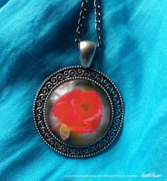 Cabochon Pendant, Red Rose