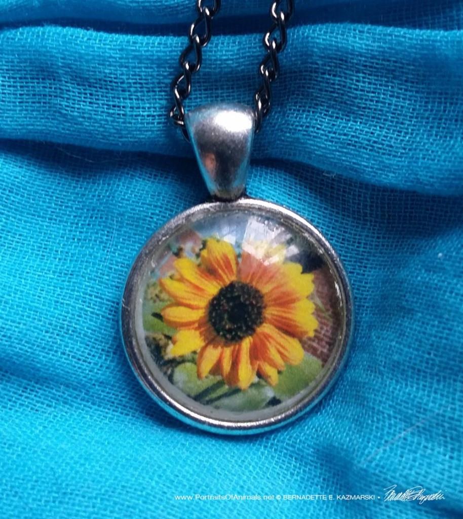 Cabochon Pendant, Sunflower