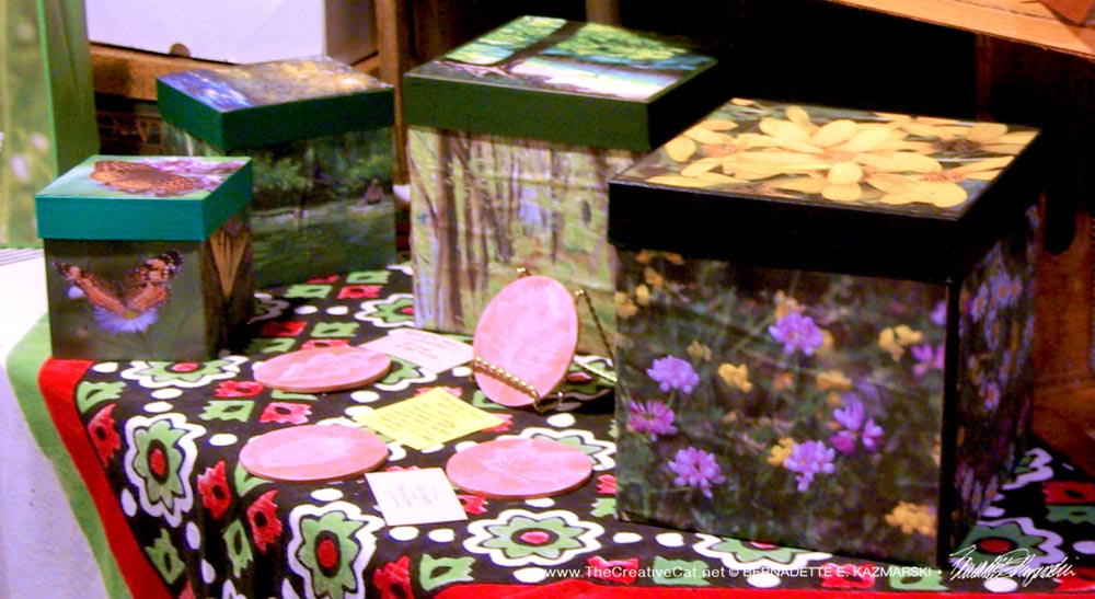 Trail images cube keepsake boxes.