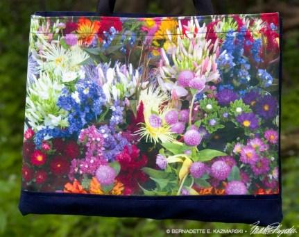 Market Flowers tote bag detail