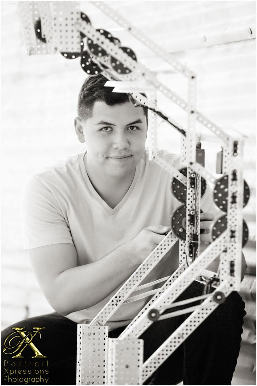 senior photography with robotics