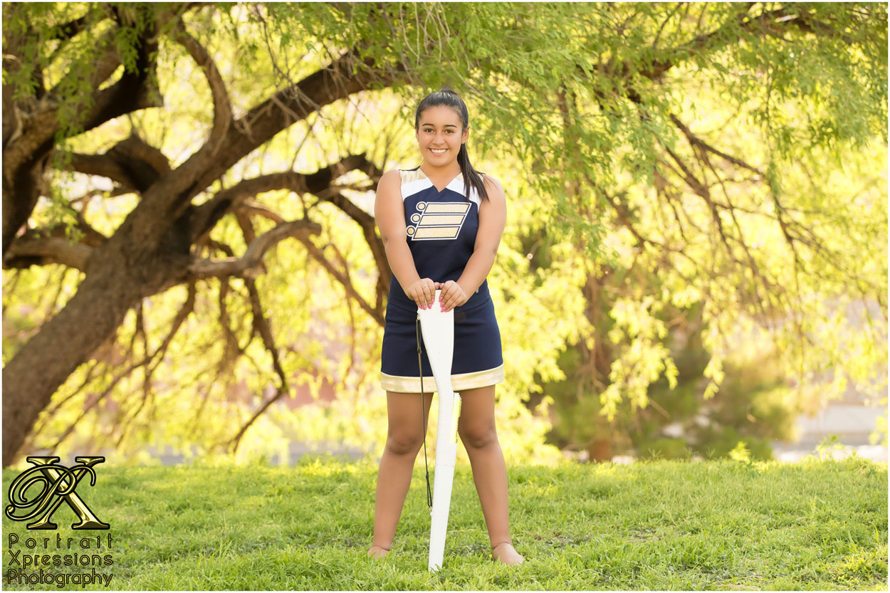high school senior girl in El Paso