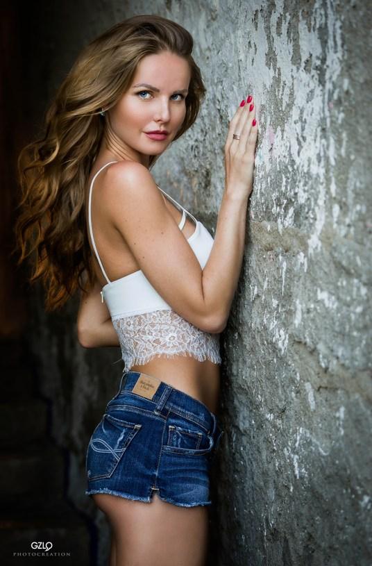 Photocreation: Gonzalo Villar – Model: Kristina Yakimova – Photo: Luis Ibañez