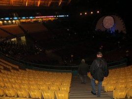 We then headed to the Parque das Nacoes in Lisbon where the Meo Arena is situated .