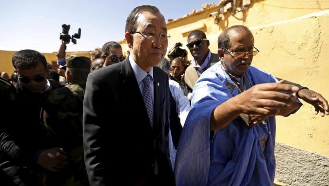 Ban Ki-moon en su visita al campamento de Smara