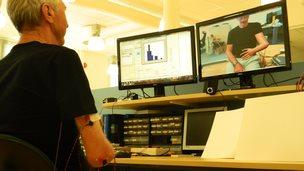 Virtual arm eases phantom limb pain