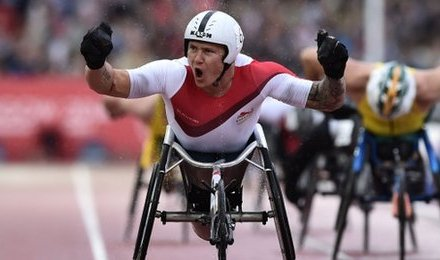 David Weir powers to his first Commonwealth gold