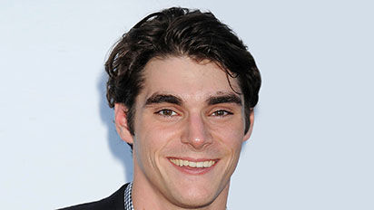 Acclaimed actor RJ Mitte will join Channel 4 2016 Paralympics presenting team