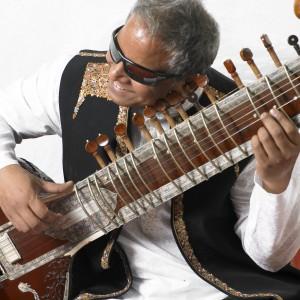 Baluji Shrivastav, OBE