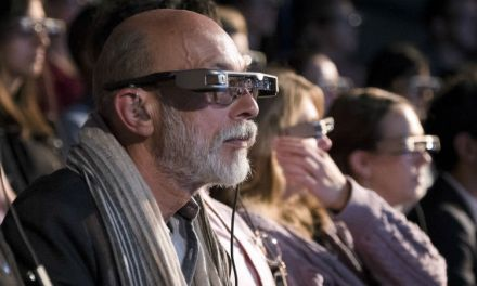 Deaf community theatre transformed by Smart glasses