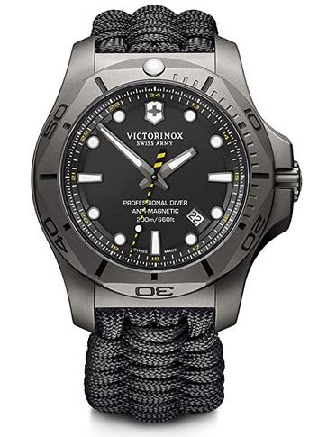 Victorinox Herren I.N.O.X. Professional Diver Titanium - Swiss Made Montre de plongée