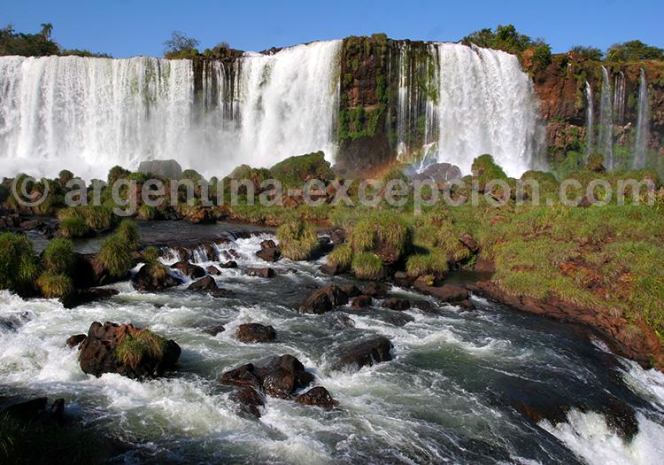 Chutes eau Iguazu Argentine