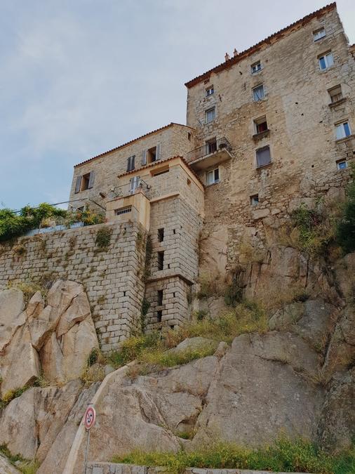 ville medievale sartene corse du sud