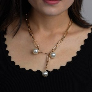 Pearl Geometric Pendant Necklace