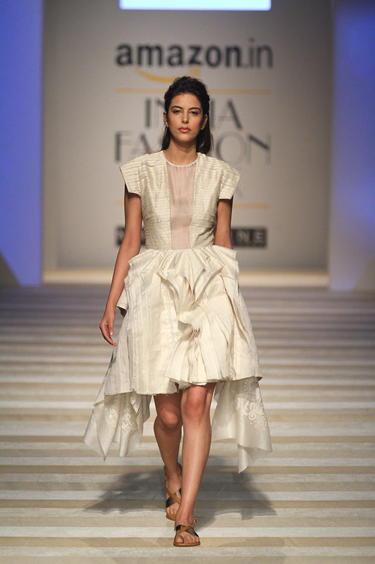 Textile Industry In India: #RoadToChanderi Opens AIFW SS17
