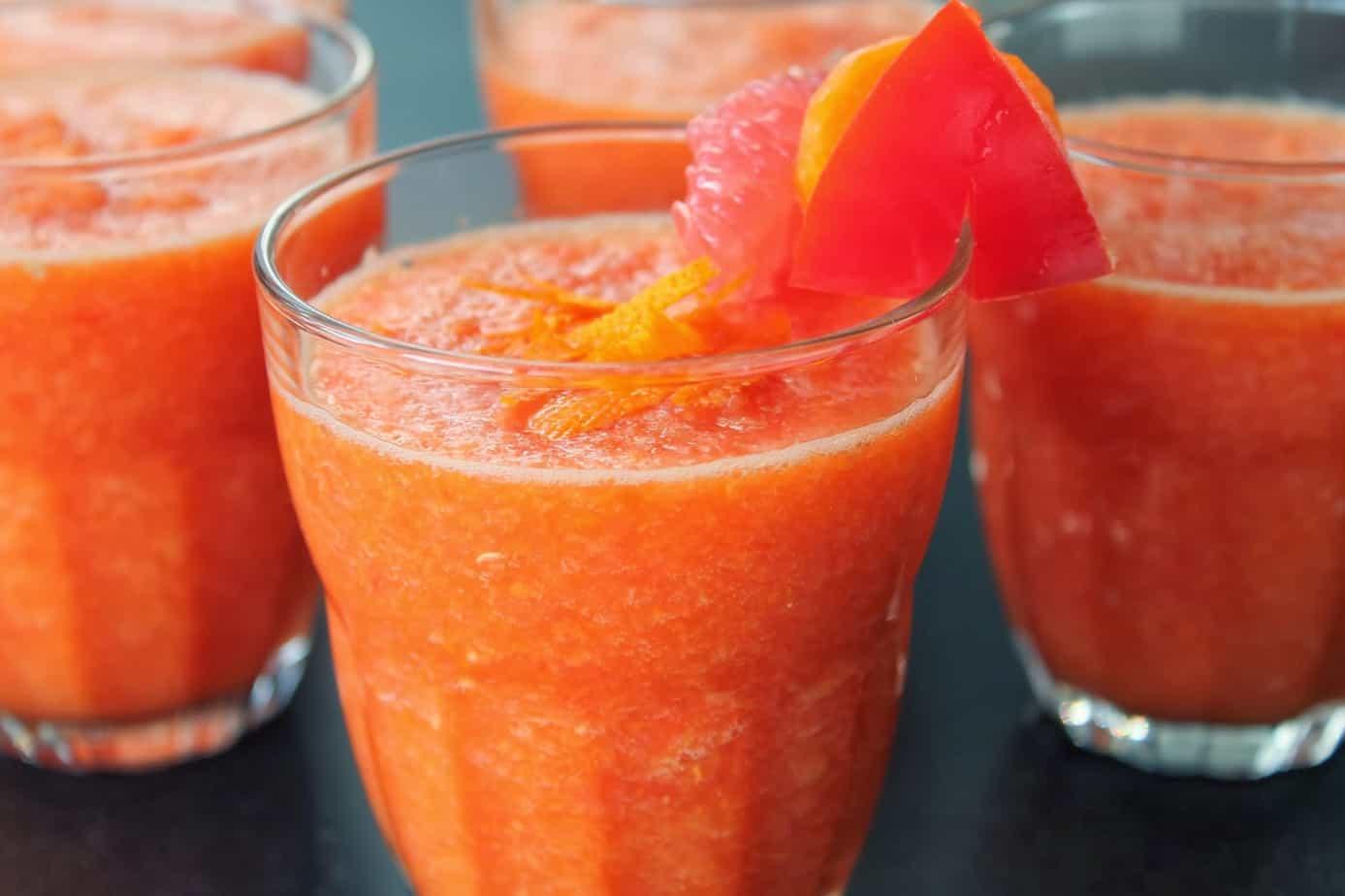 Vitamin C smoothie: Pink grapefruit & red pepper