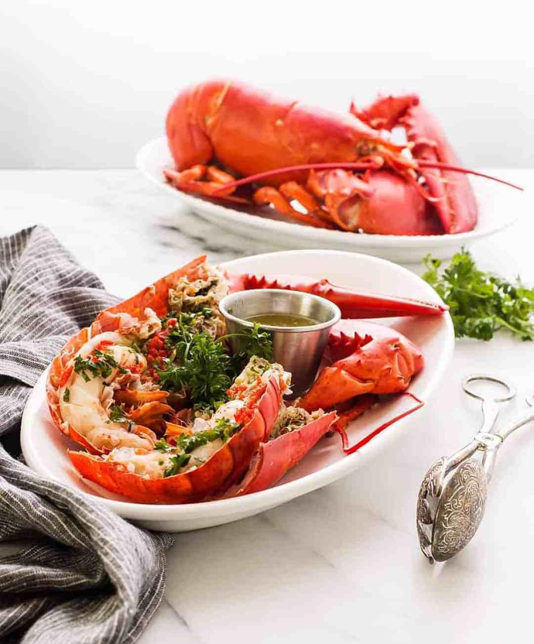 boiled lobster with garlic lemon butter dip sauce