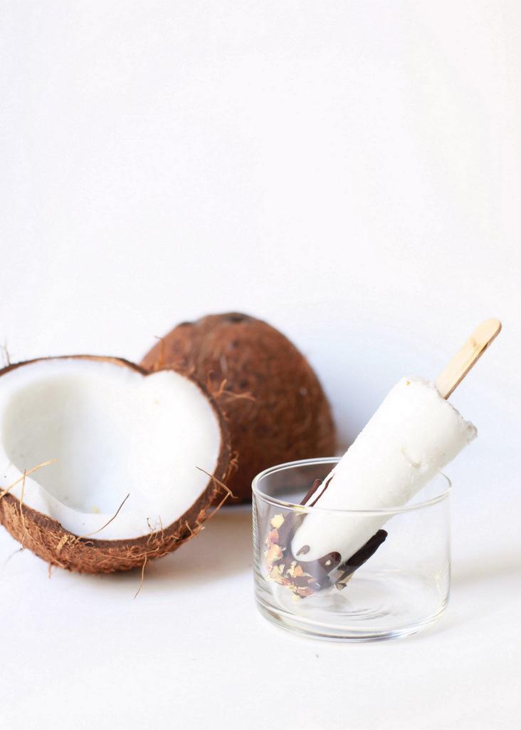 Chocolate Coconut Popsicles (V) | Posh Little Designs
