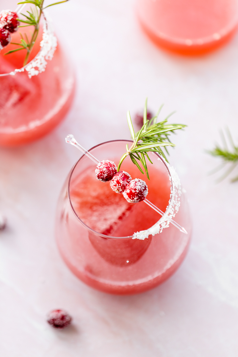 Recipe for cranberry Paloma tequila cocktails for the holiday season