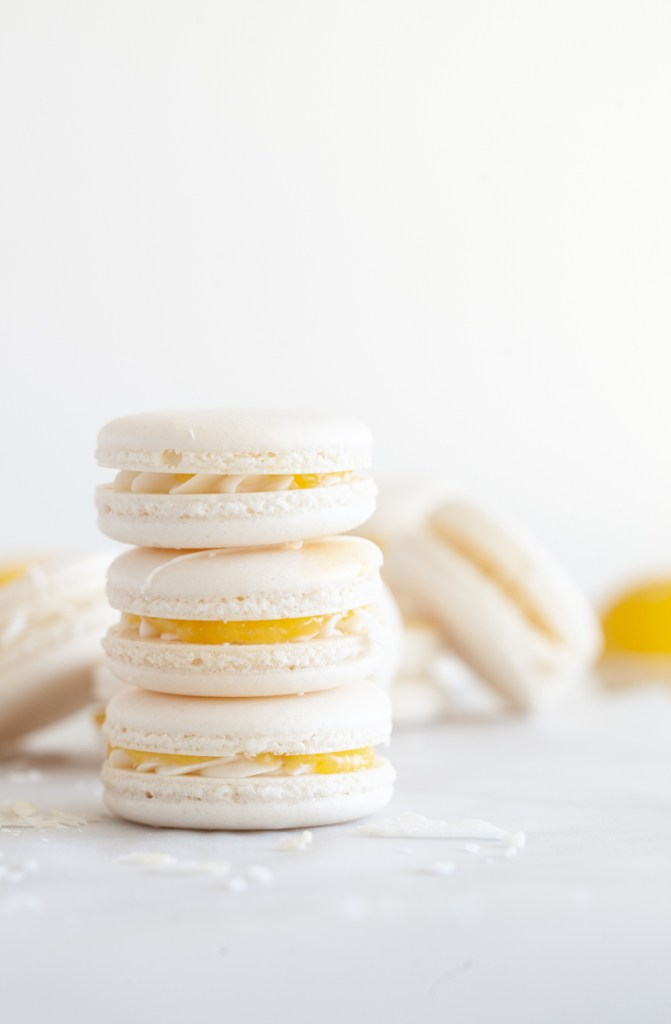 lemon-curd-coconut-macarons-recipe-french-macaron