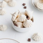 mint-chocolate-merinuges-cookies-meringue-recipes-gluten-free-dairy-free-chocolate