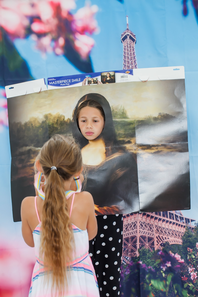 paris-birthday-parisian-kids-parties-mona-lisa-photobooth