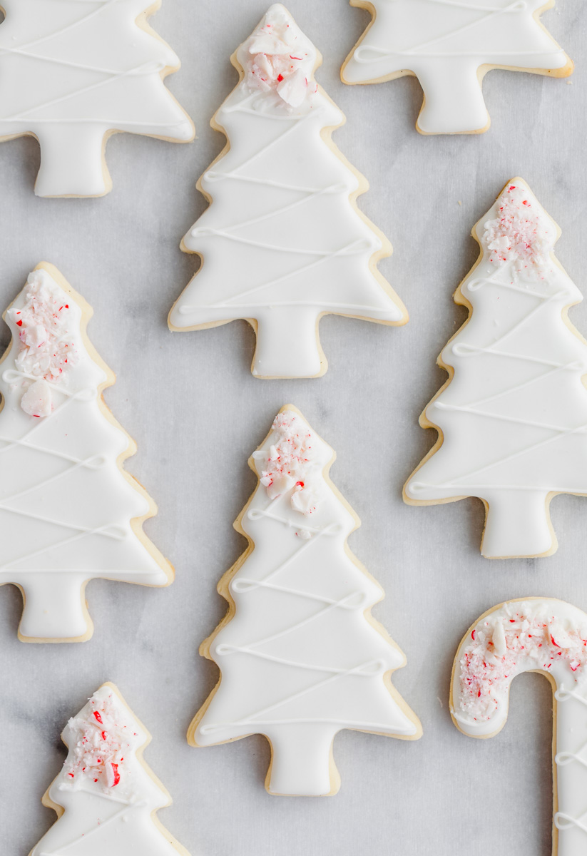 peppermint_chistmas_cookies_tree_baking