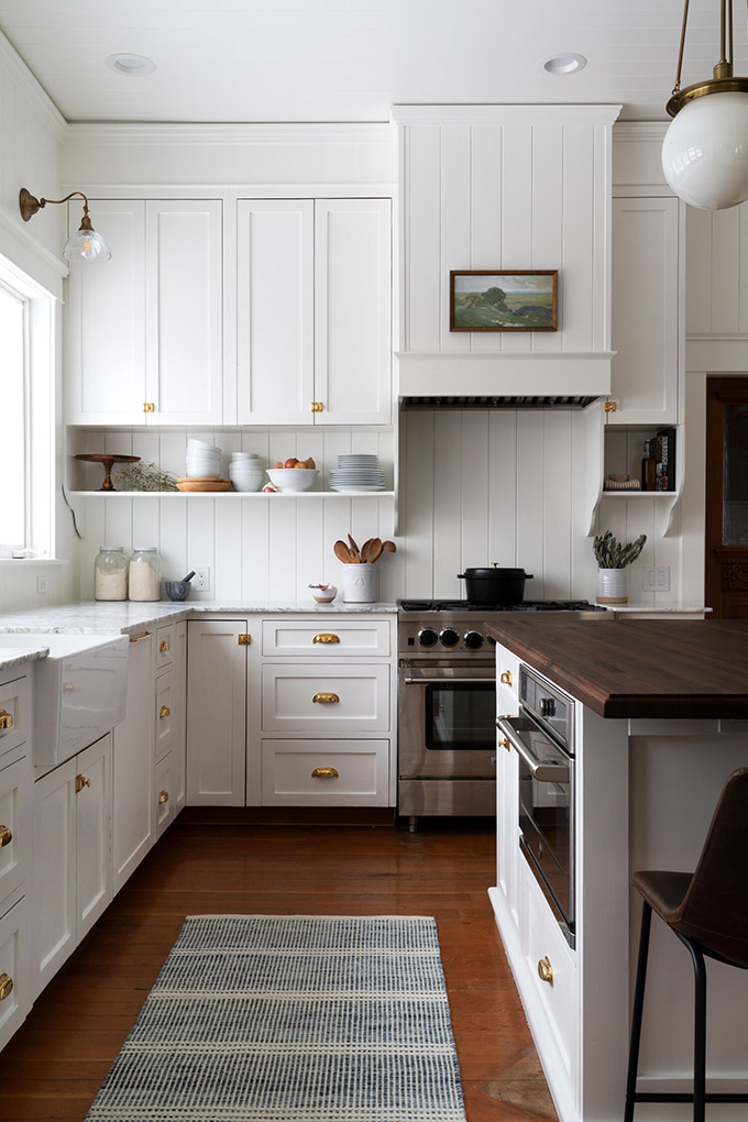 Benjamin Moore Simply White, Chantilly Lace Or Simply White For Kitchen Cabinets