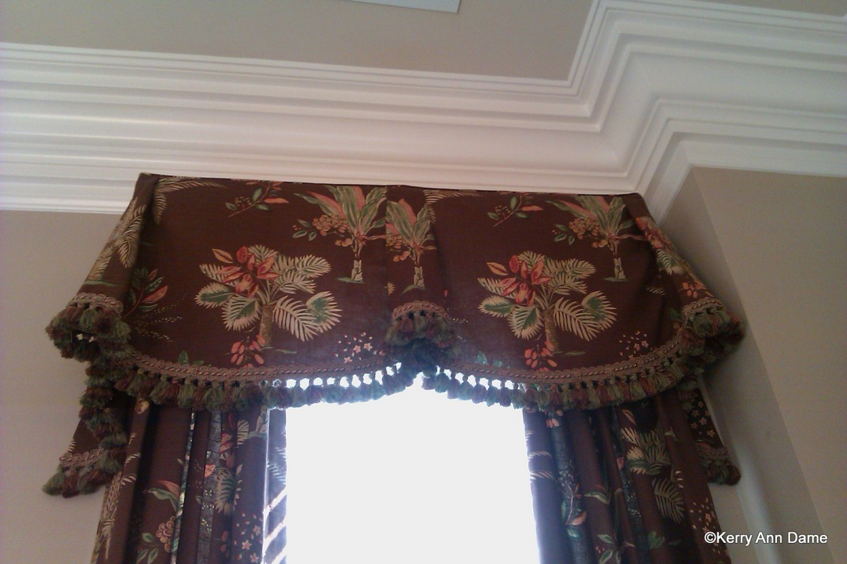 Imperial Valance - tassels, Palm Tree Fabric