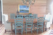 Hardwood-Dining-Chairs-and-Reclaimed-Wood-Table