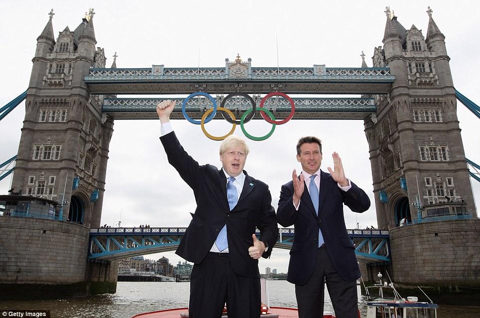 Olympic Rings on Tower Bridge (3/4)