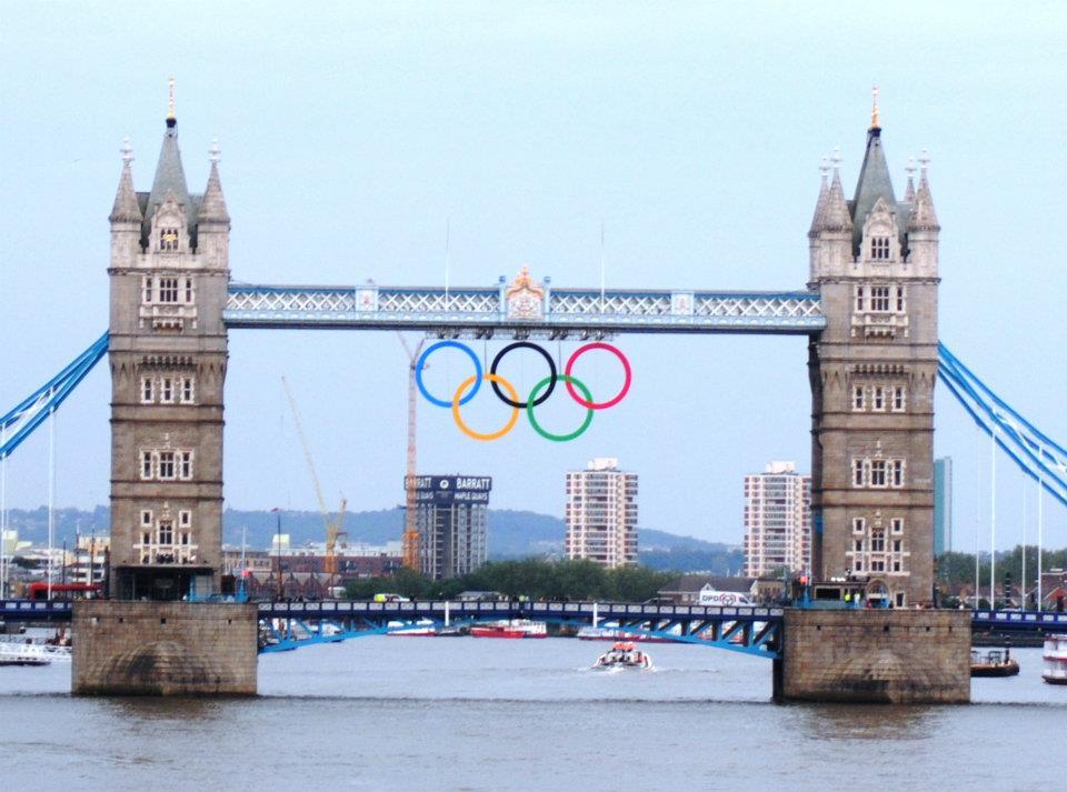Olympic Rings on Tower Bridge (2/4)