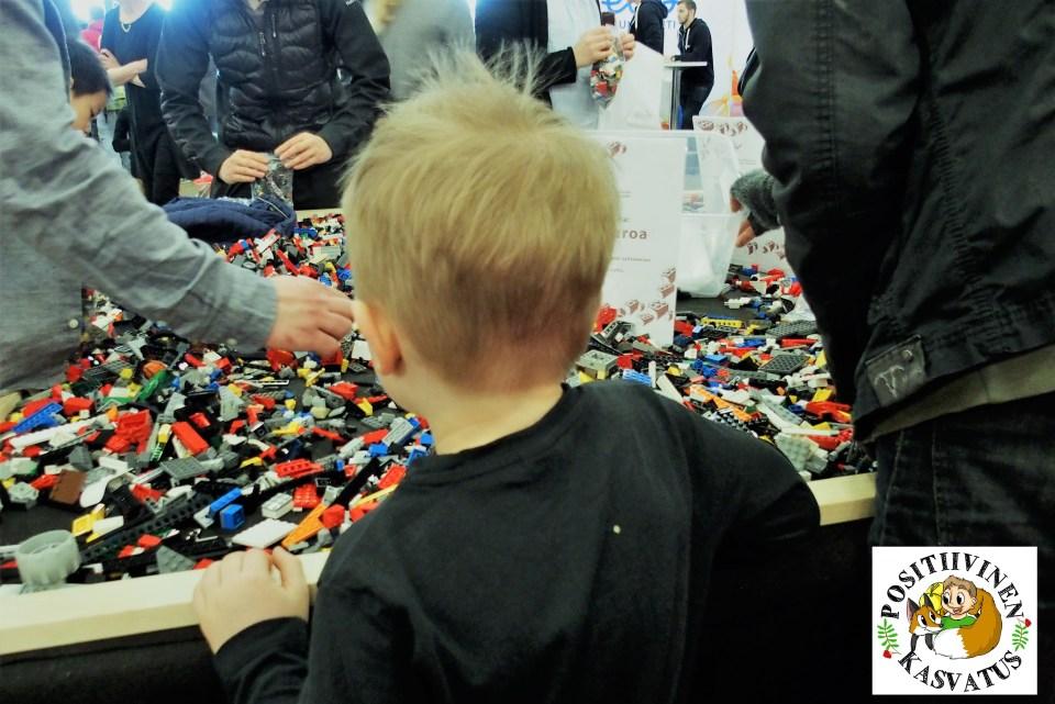 Lapsimessut lego.JPG