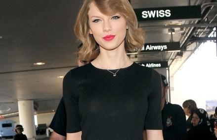 Taylor Swift's Album 1989 reaches 4 million copies sold